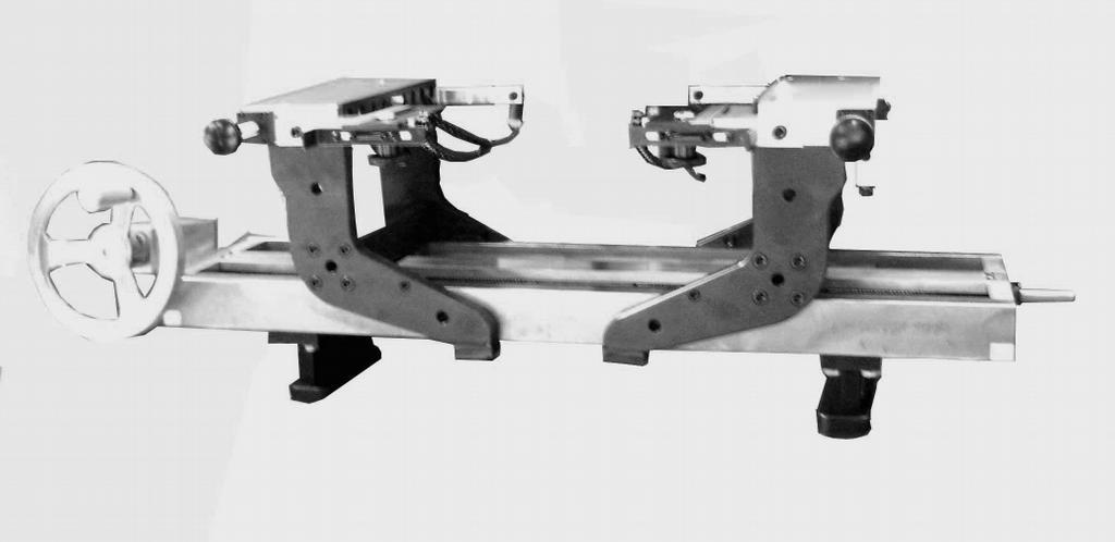 Dunimex - Sistemas de suporte e alinhamento de cabeças e blocos Modelo: DSF 1000